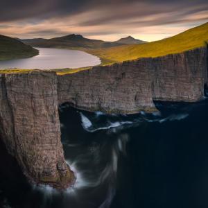 През обектива: Вълшебната красота на безлюдните Фарьорски острови