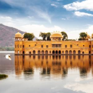 Джал Махал - чудният воден дворец