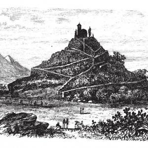 Най-голямата пирамида в света е скрита под един хълм