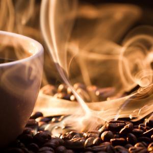 Наистина ли кафето ви дехидратира?