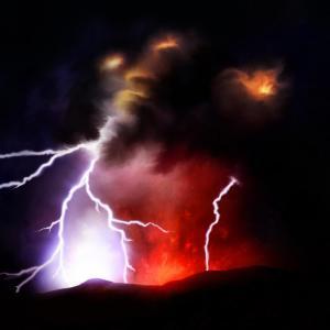 Ето каква е тайната на вулканичната мълния
