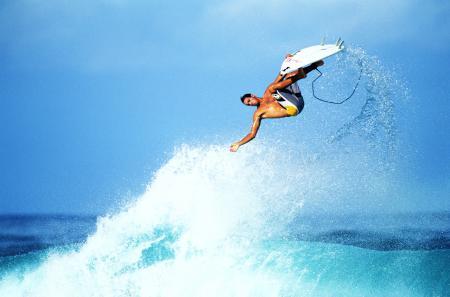 854b913a184 Красотата на сърфирането в 20 невероятни фотографии